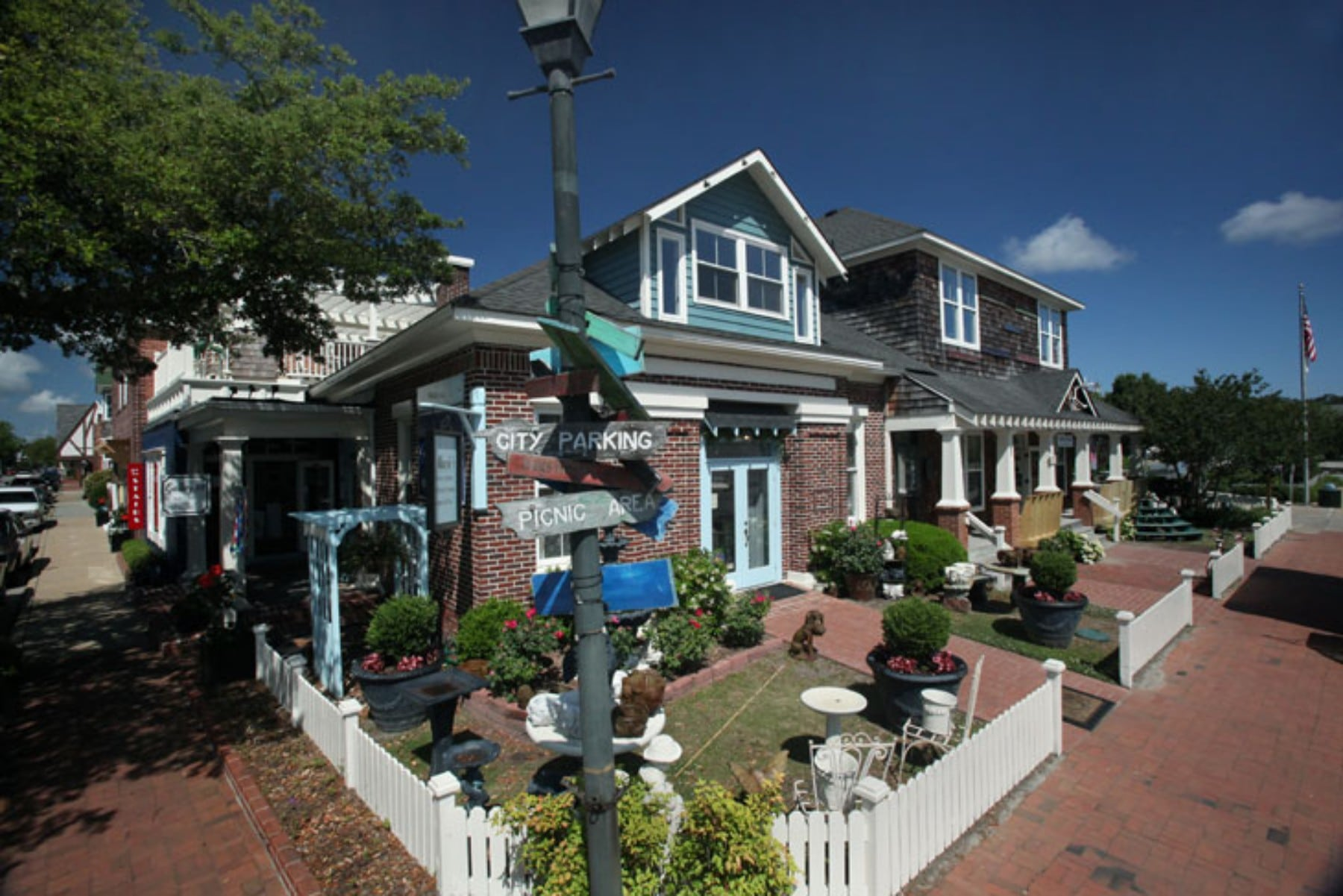 Everything You Need To Know About Visiting Downtown Manteo